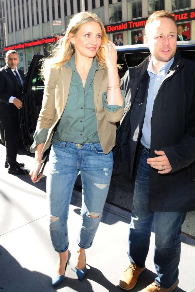 Cameron diaz in jeans at z100 16 gotceleb for Cameron diaz new york