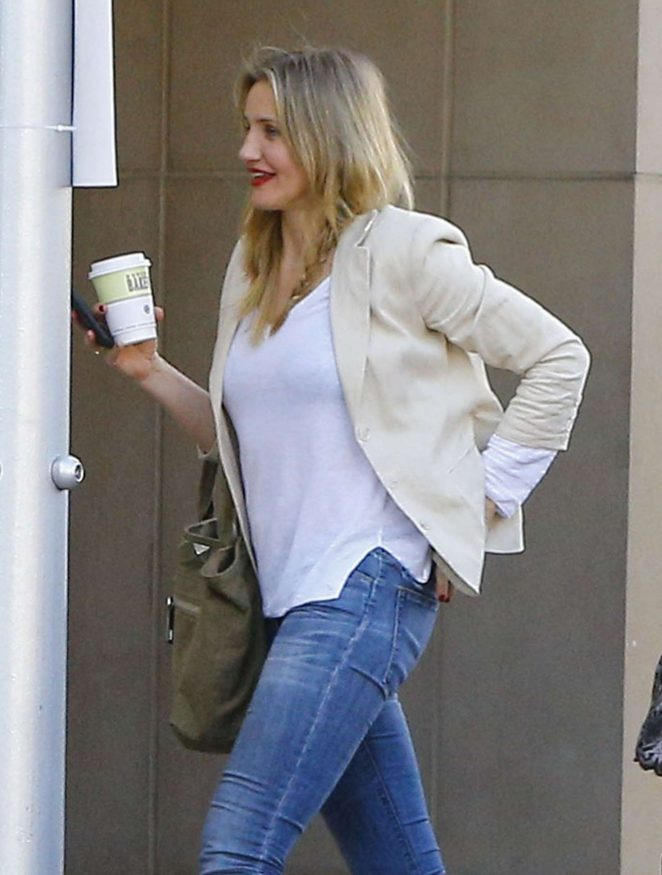 Cameron Diaz in Jeans Out for lunch in Beverly Hills