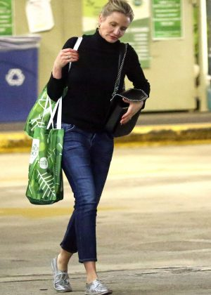 Cameron Diaz in Jeans Shopping at Whole Foods in LA