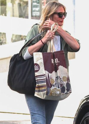 Cameron Diaz Leaves salon in Beverly Hills