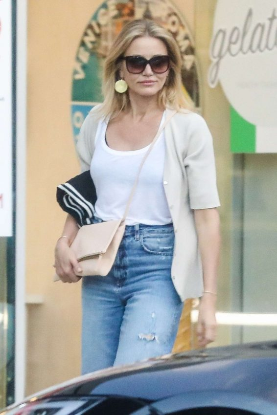 Cameron Diaz - Leaves Urth Caffe in Beverly Hills