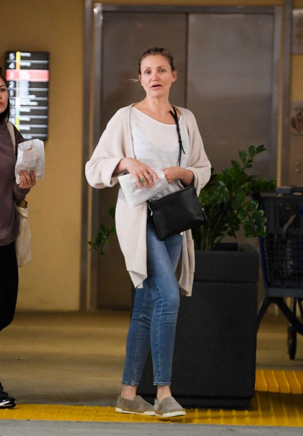 Cameron Diaz - Out for breakfast at Eataly in Century City