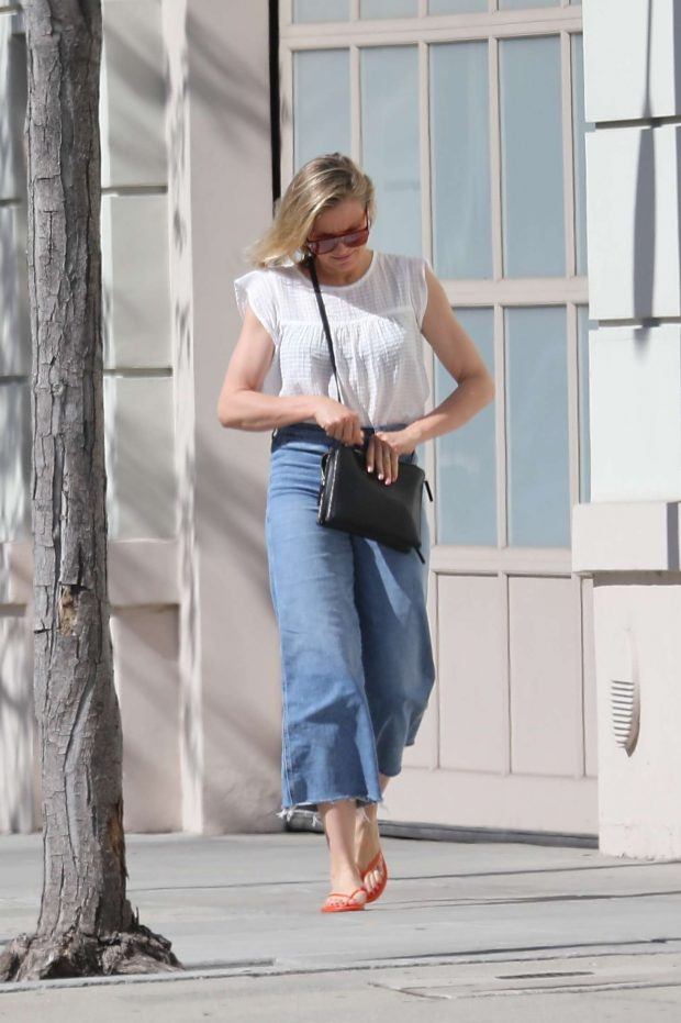 Cameron Diaz: Out in Los Angeles -02