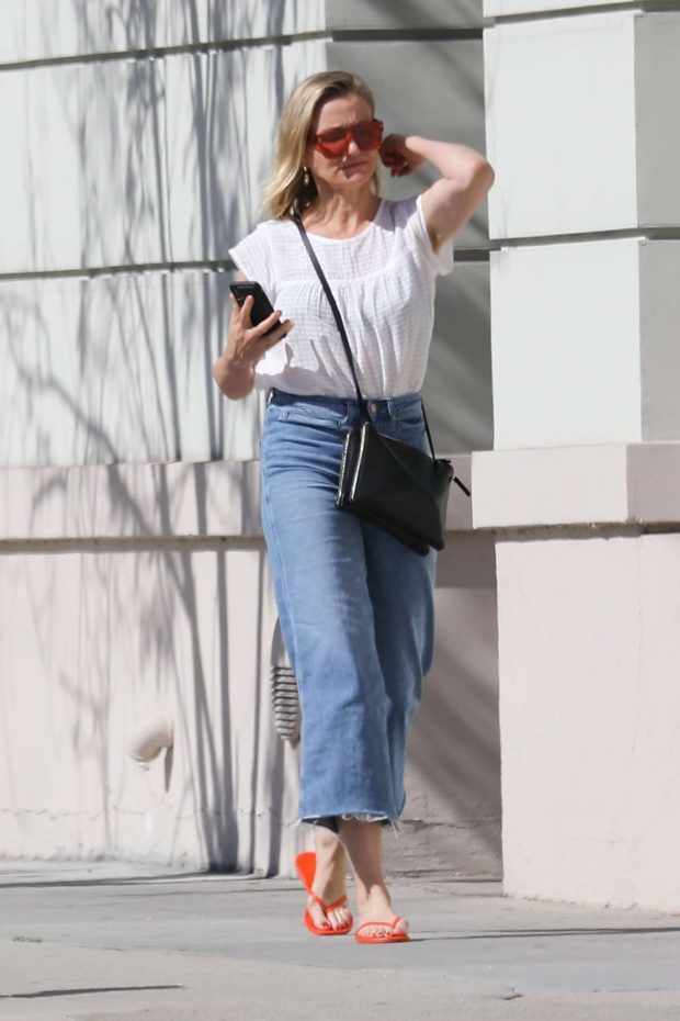 Cameron Diaz: Out in Los Angeles -09