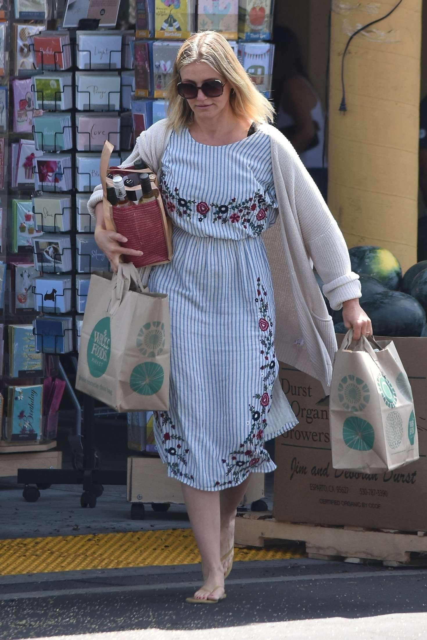Cameron Diaz - Shopping at Whole Foods in Glendale