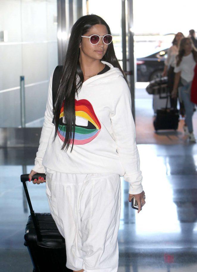 Camila Alves - Arrives at JFK Airport in New York