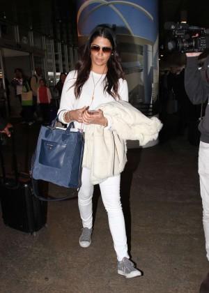Camila Alves Arrives at Los Angeles International Airport