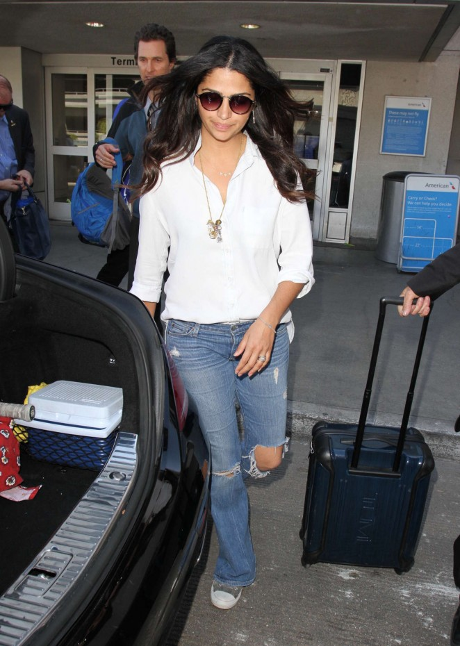 Camila Alves in Ripped Jeans at Los Angeles International Airport