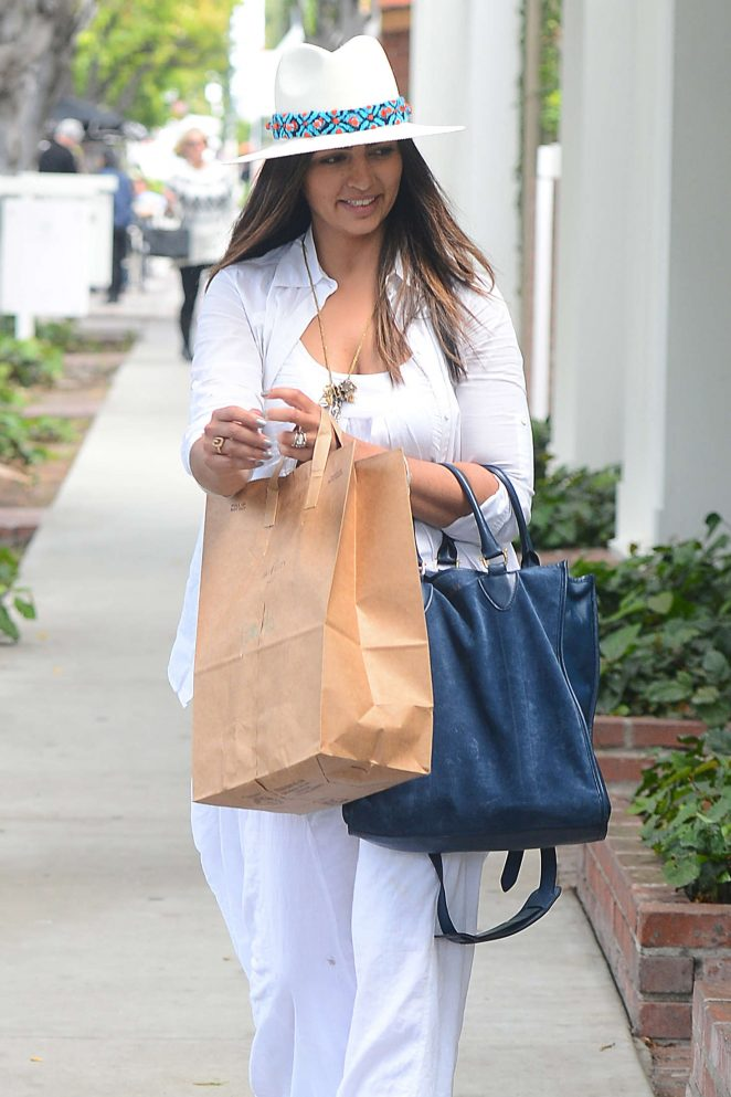 Camila Alves Shopping at Chloe Boutique in Los Angeles