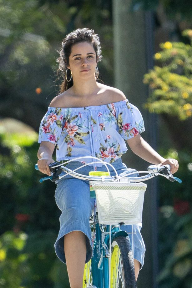 Camila Cabello and Shawn Mendes - Enjoy a bicycle ride in Miami