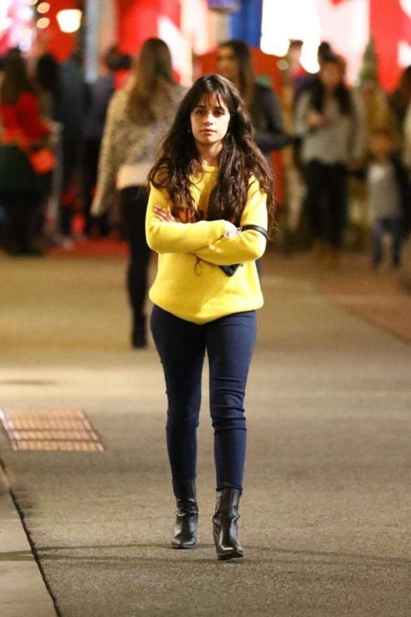 Camila Cabello - Christmas Shopping with her mom at The Grove in LA