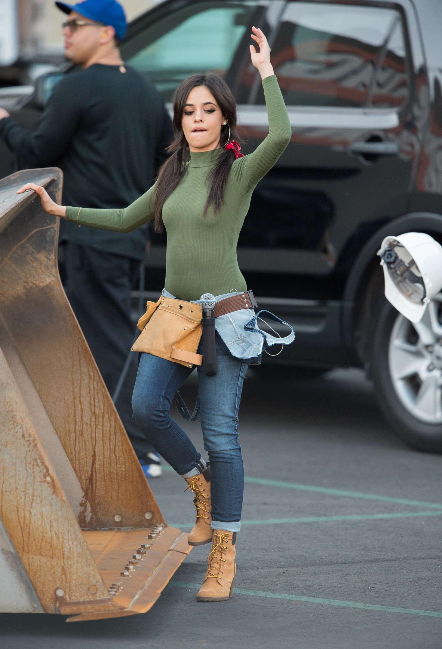 Selena gomez sexy legs - 2 part 5