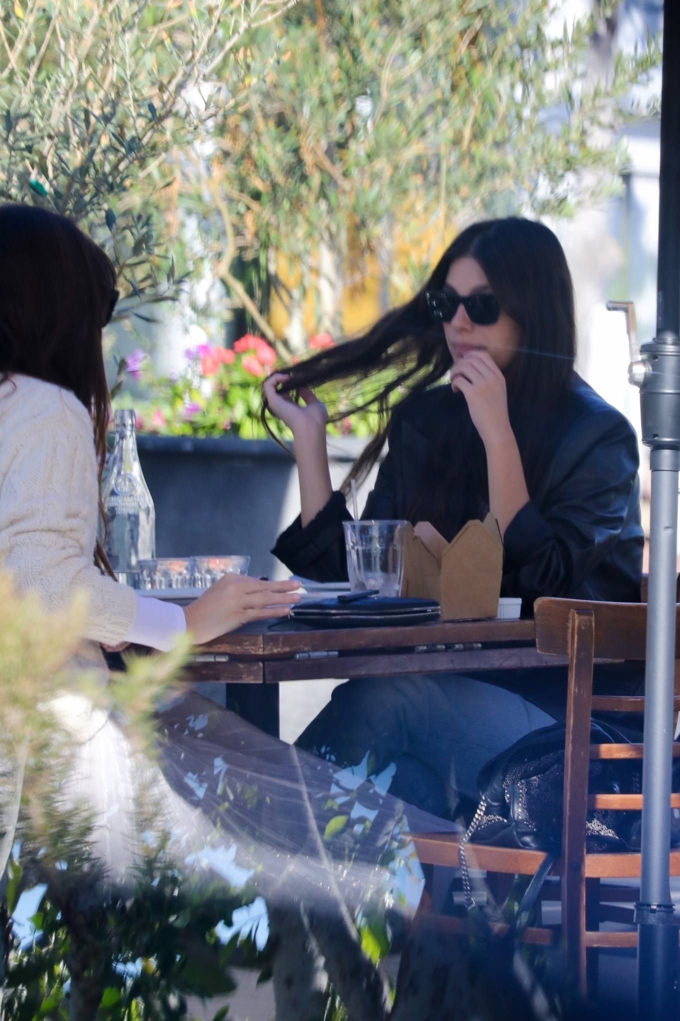 Camila Morrone 2020 : Camila Morrone and her mother – Seen at Mauros cafe in West Hollywood-01