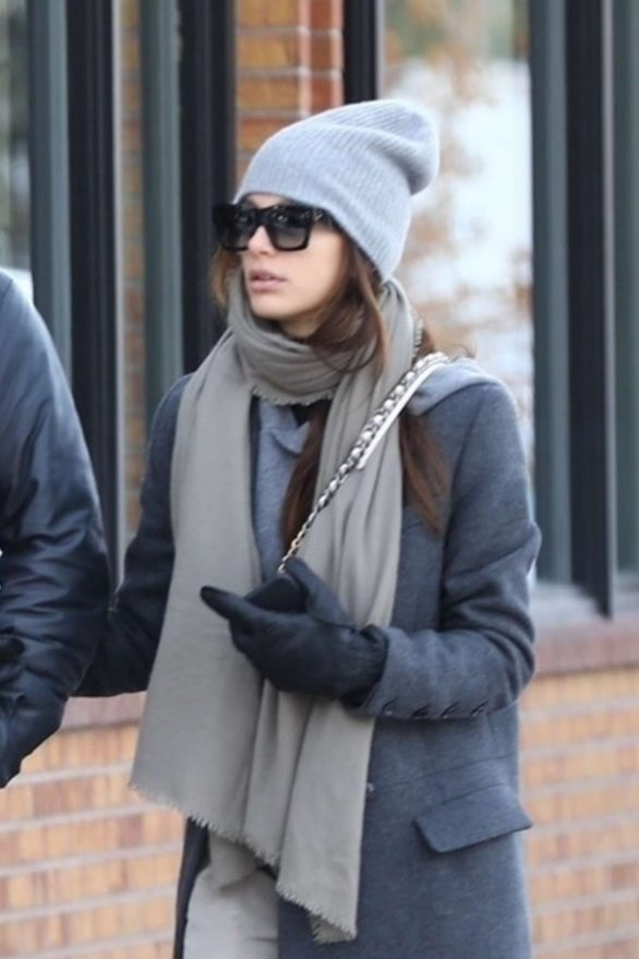 Camila Morrone - Shopping in Aspen