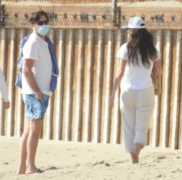 Camila Morrone - Steps out with friends at Malibu Beach
