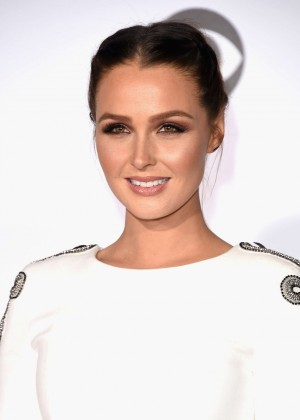 Camilla Luddington - People's Choice Awards 2016 in Los Angeles