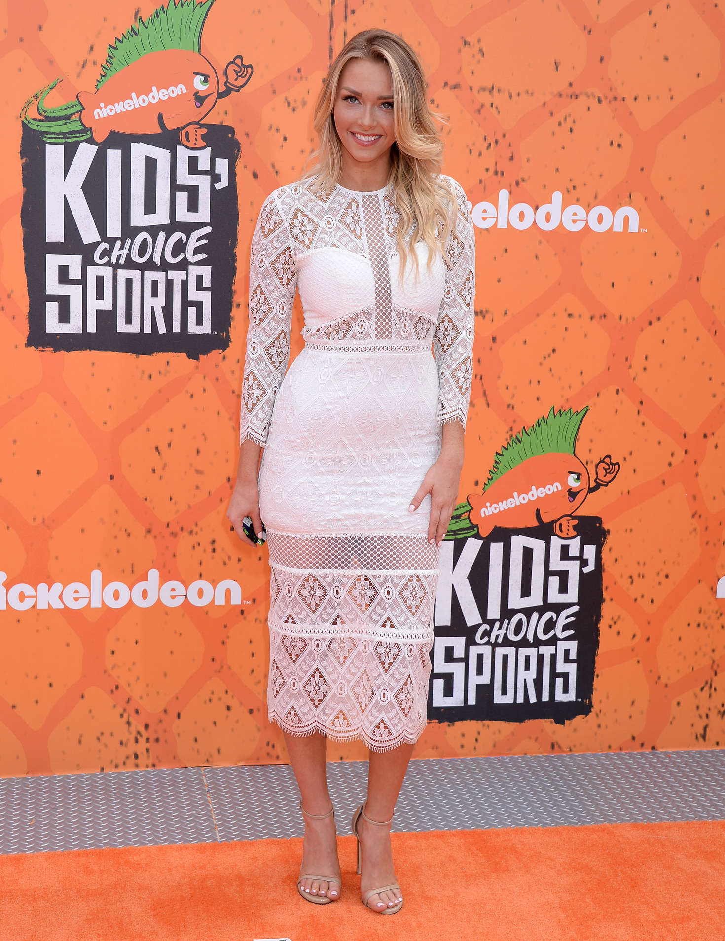 Camille Kostek - 2016 Nickelodeon's Kids' Choice Sports Awards in Westwood