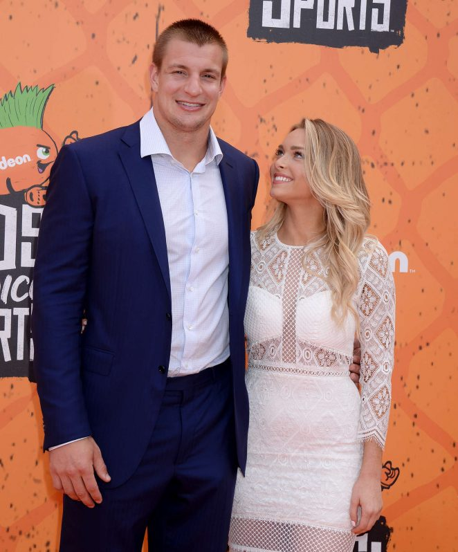 Camille Kostek And Rob Gronkowski 2017: Camille Kostek: 2016 Nickelodeons Kids Choice Sports