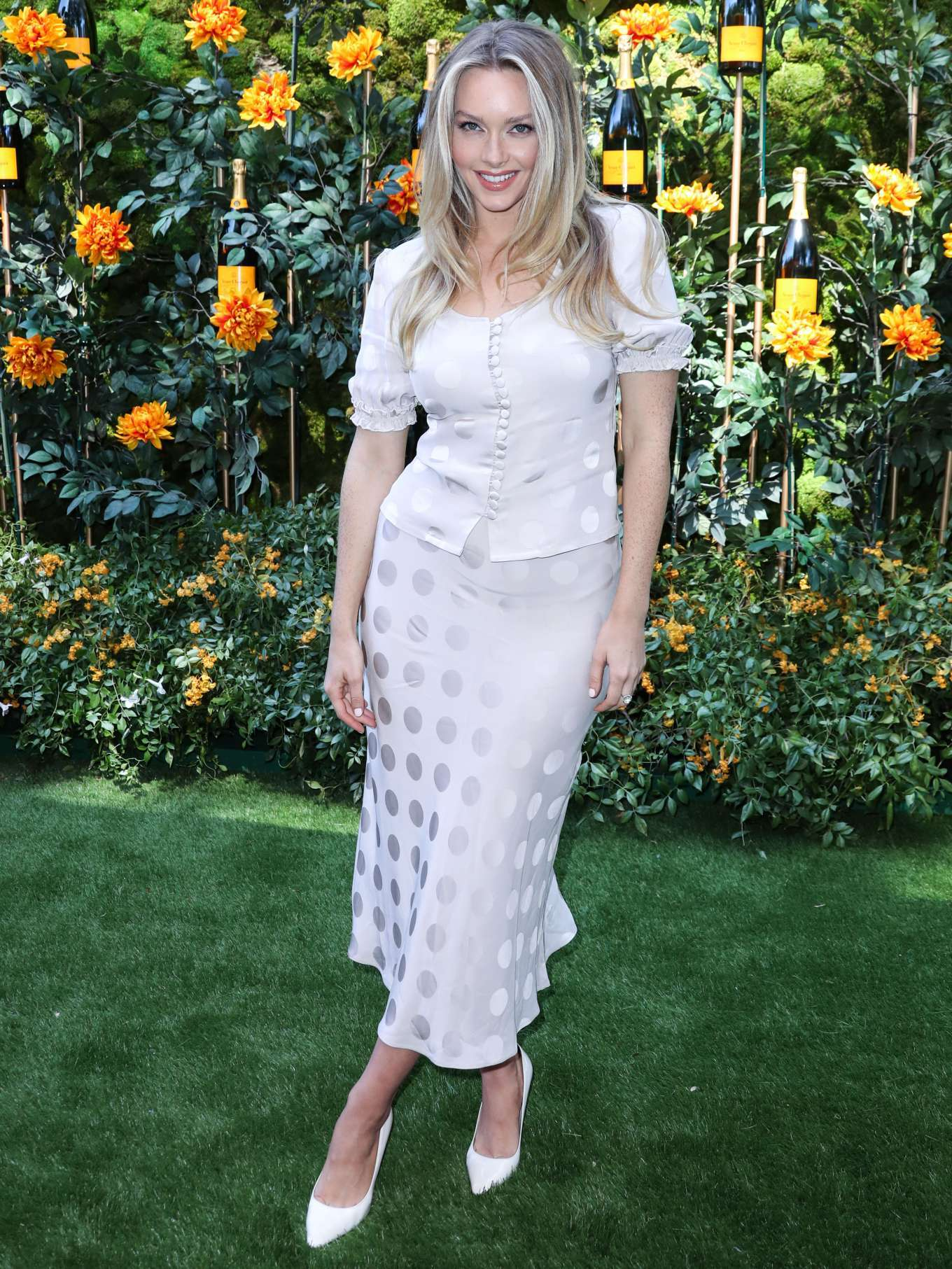 Camille Kostek - 2019 Veuve Clicquot Polo Classic in Los Angeles