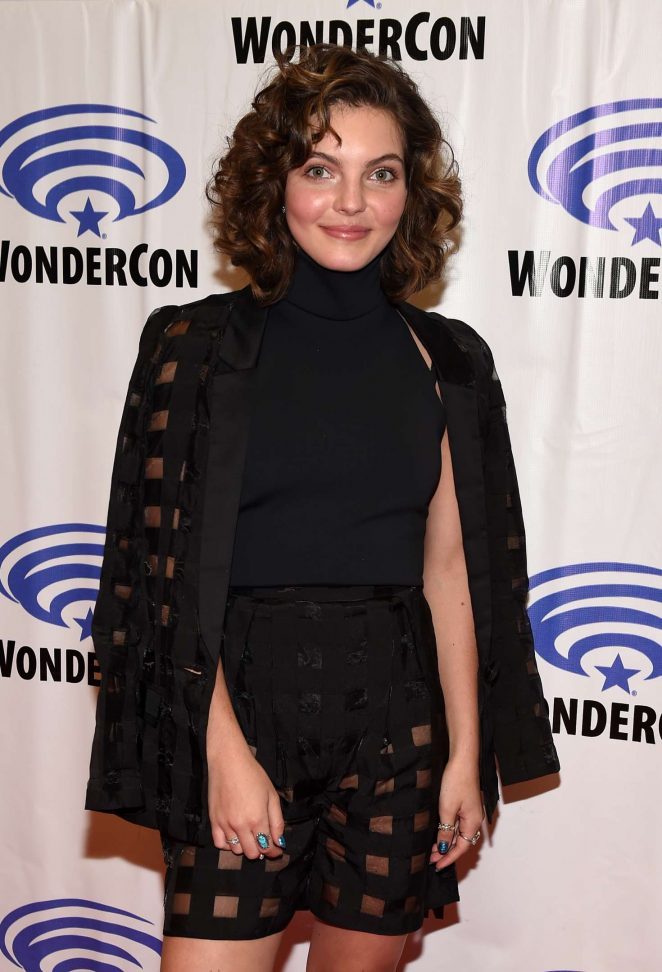 Camren Bicondova at Wondercon in Anaheim