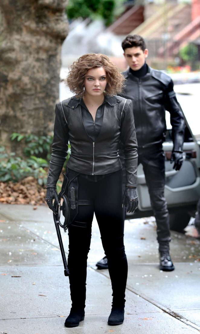 Camren Bicondova - On the set of 'Gotham' in Brooklyn