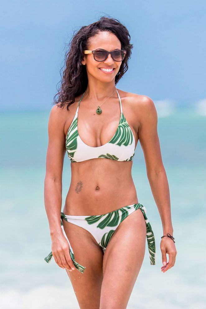Candace Smith in Bikini on the beach in Lanikai