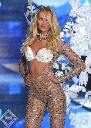 Candice Swanepoel - 2015 Victoria's Secret Fashion Show Runway in NYC