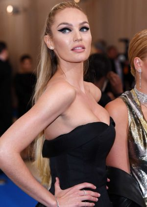 Candice Swanepoel - 2017 Supermodel stuns on Met Gala