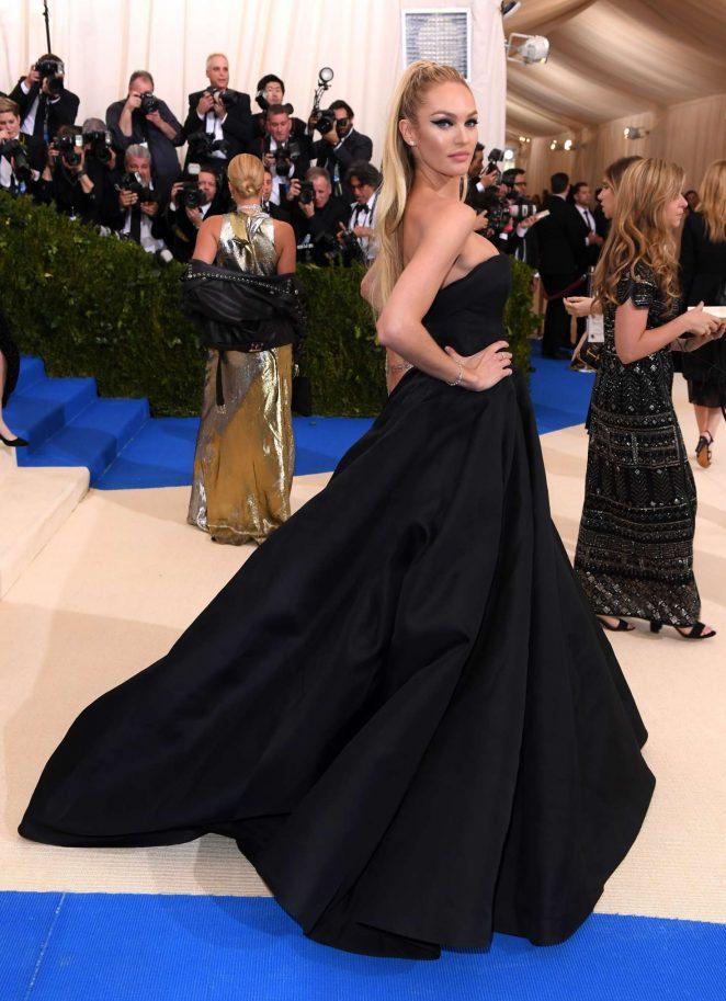 Candice Swanepoel 2017 Supermodel Stuns On Met Gala 15 Gotceleb