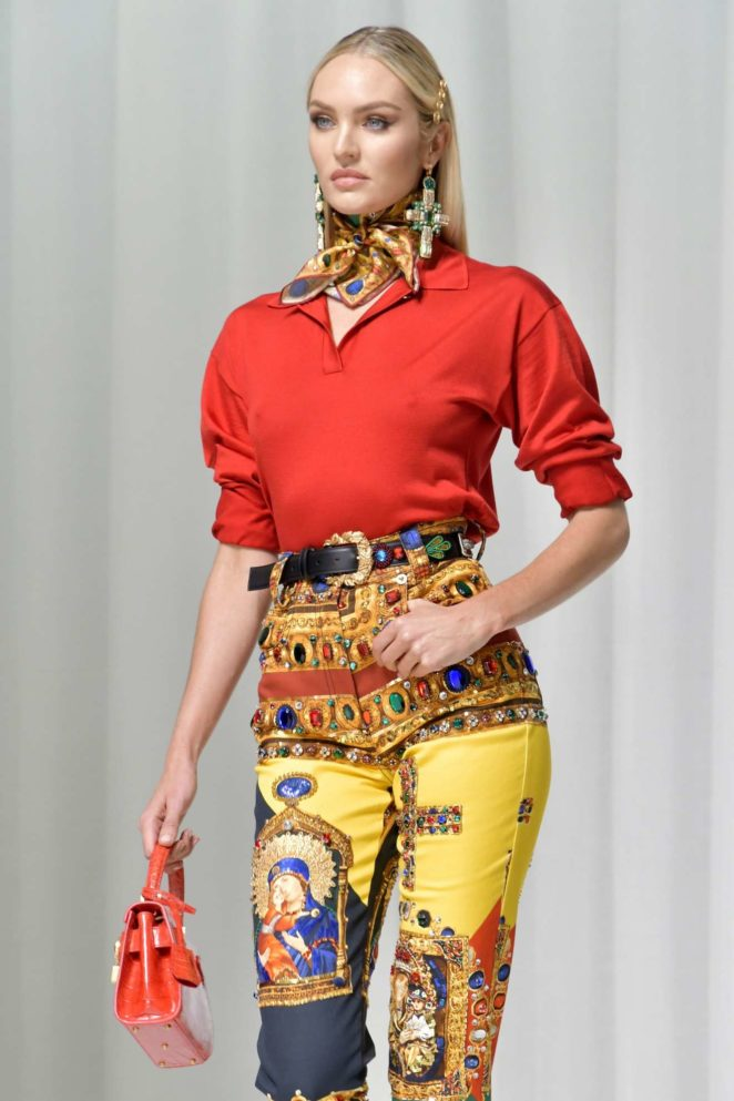 Candice Swanepoel: 2017 Versace show at Milan Fashion Week-21