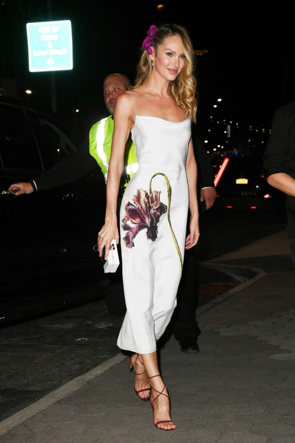 Candice Swanepoel - Arrives at CFDA/Vogue Fashion Fund 2019 Awards in NYC