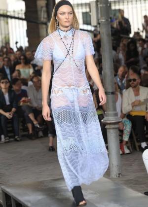 Candice Swanepoel: Givenchy 2016 Fashion Show -02