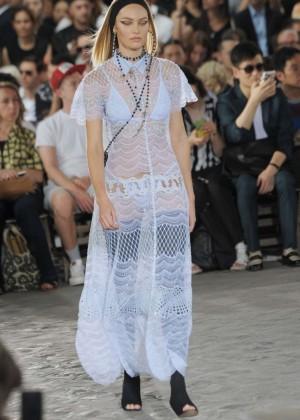 Candice Swanepoel: Givenchy 2016 Fashion Show -06