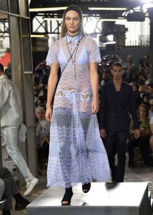 Candice Swanepoel: Givenchy 2016 Fashion Show -08