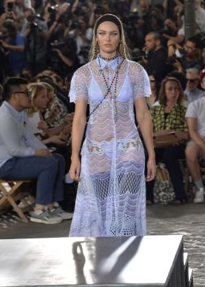 Candice Swanepoel: Givenchy 2016 Fashion Show -09