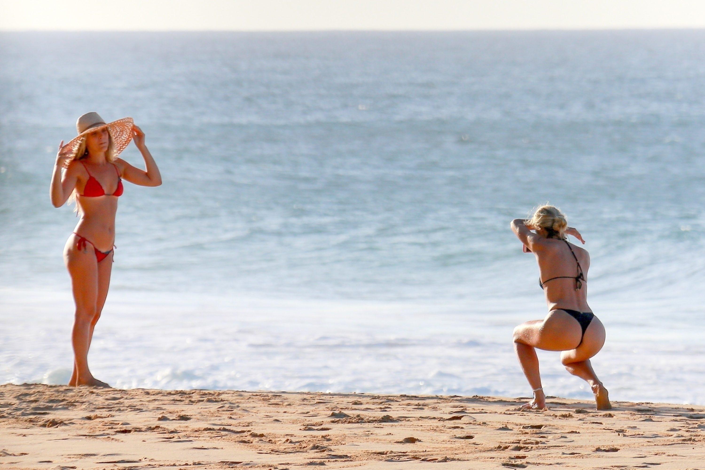 Candice Swanepoel 2017 : Candice Swanepoel in Black Bikini 2017 -38