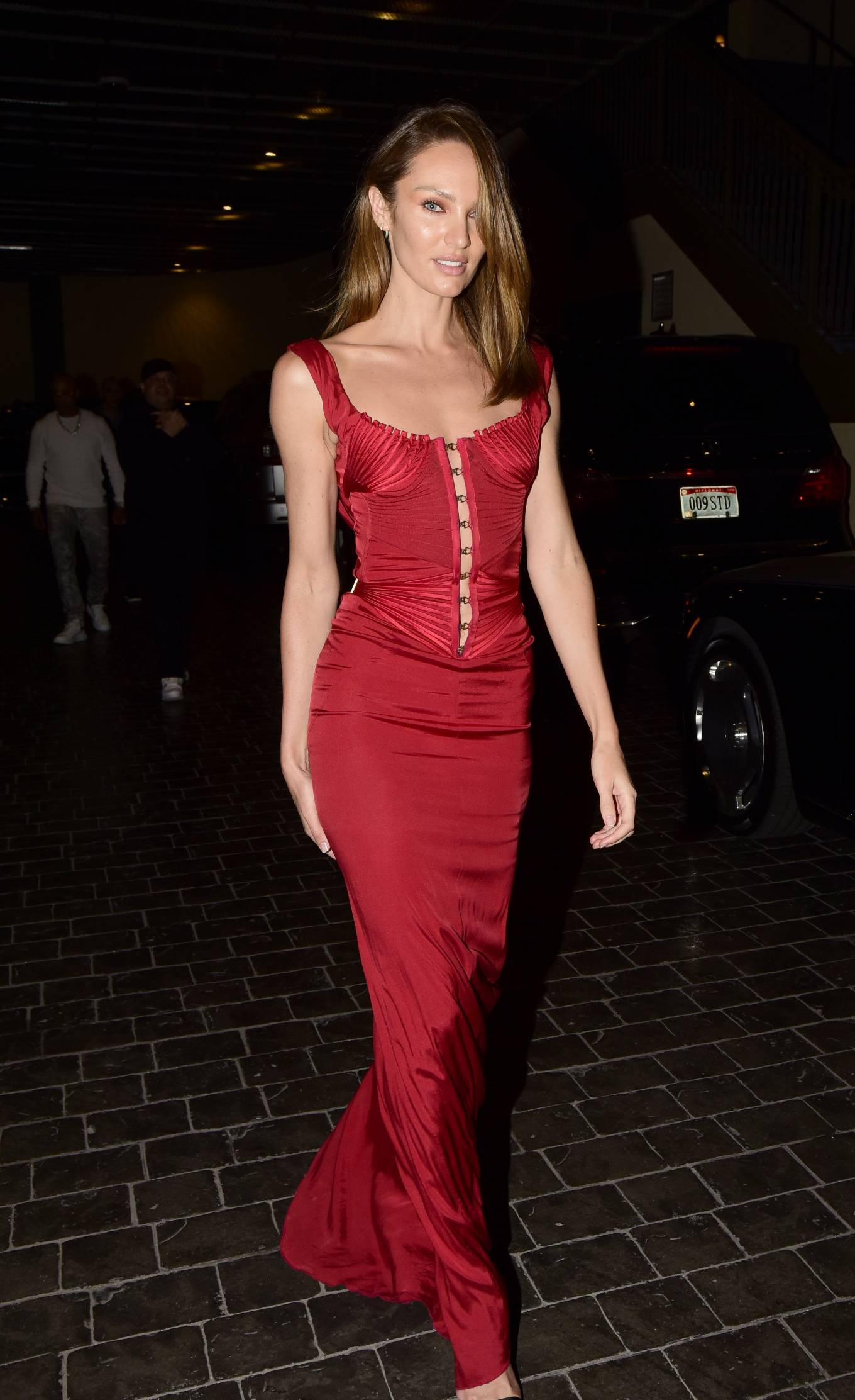 Candice Swanepoel 2021 : Candice Swanepoel – Leaves Casa Cipriani during New York Fashion Week-01