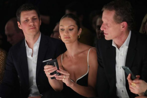 Candice Swanepoel 2020 : Candice Swanepoel – Mercedes-Benz presents Fashion Talents from South Africa show-01