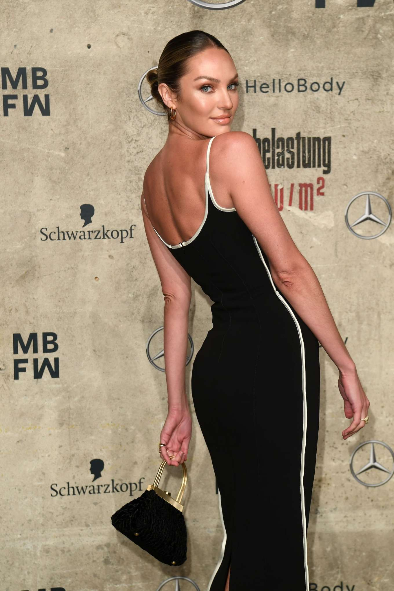 Candice Swanepoel 2020 : Candice Swanepoel – Mercedes-Benz presents Fashion Talents from South Africa show-03