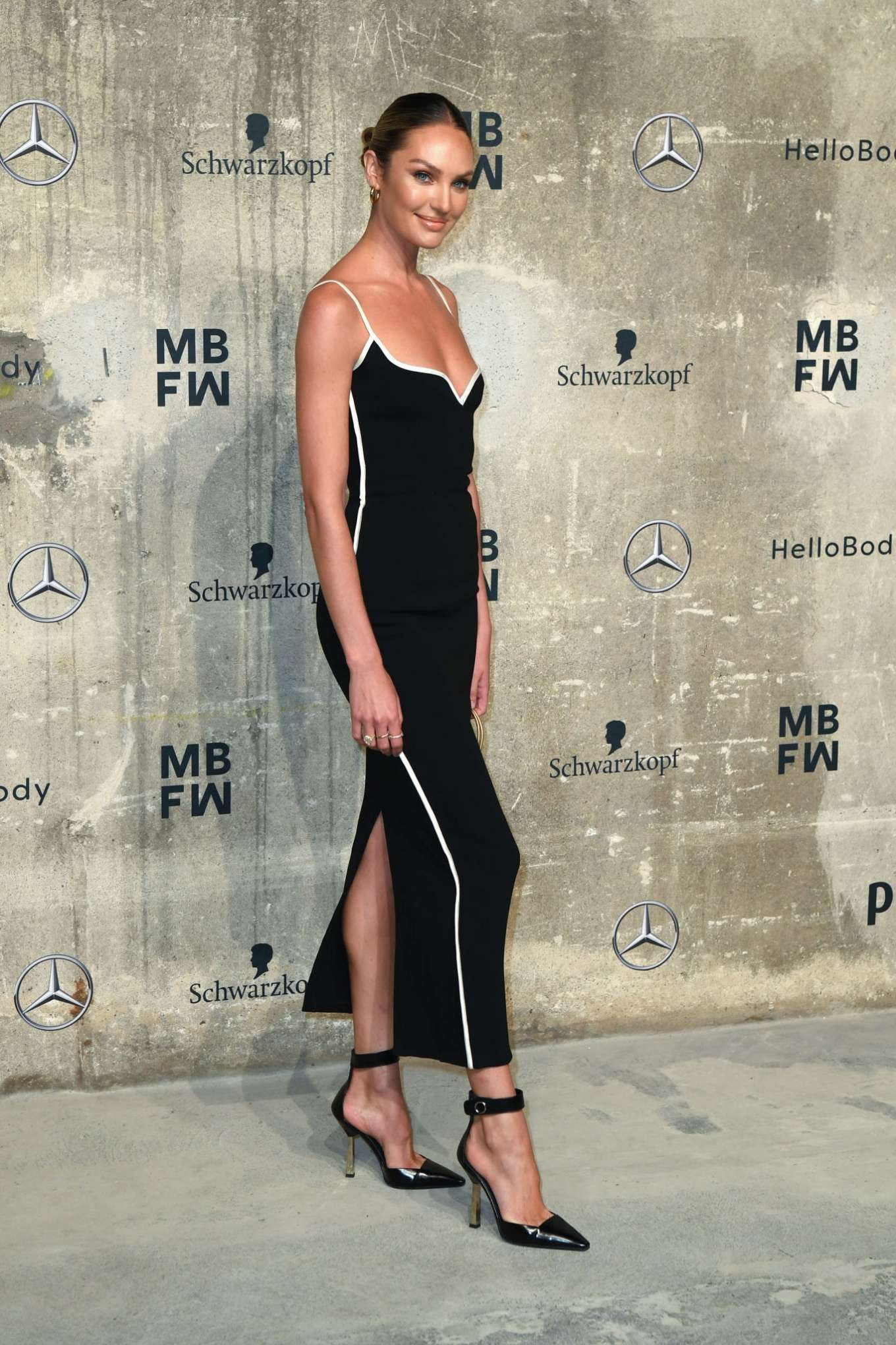 Candice Swanepoel 2020 : Candice Swanepoel – Mercedes-Benz presents Fashion Talents from South Africa show-05