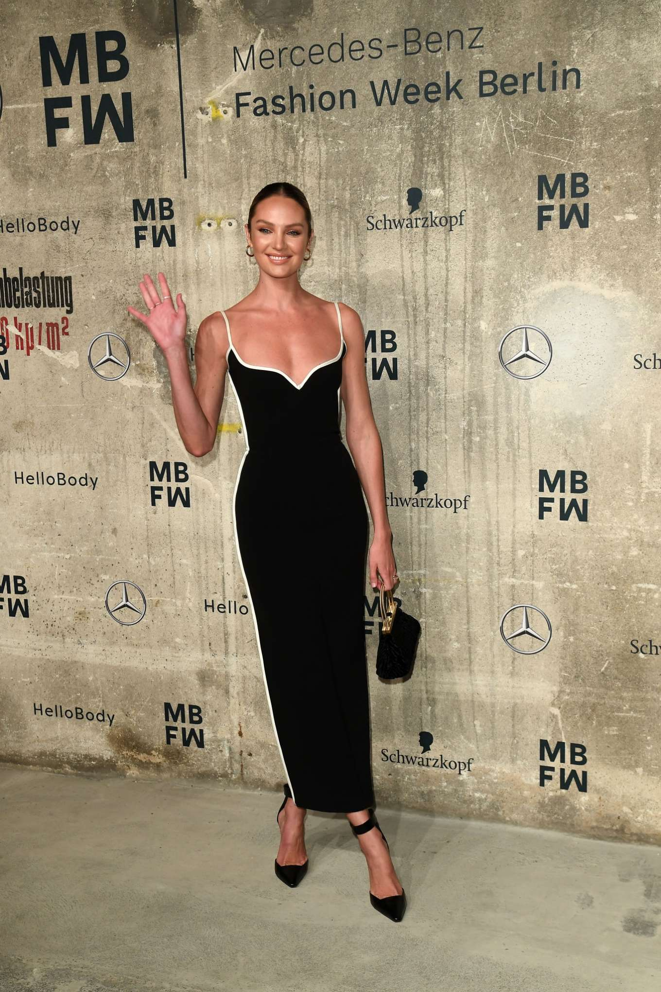 Candice Swanepoel 2020 : Candice Swanepoel – Mercedes-Benz presents Fashion Talents from South Africa show-13
