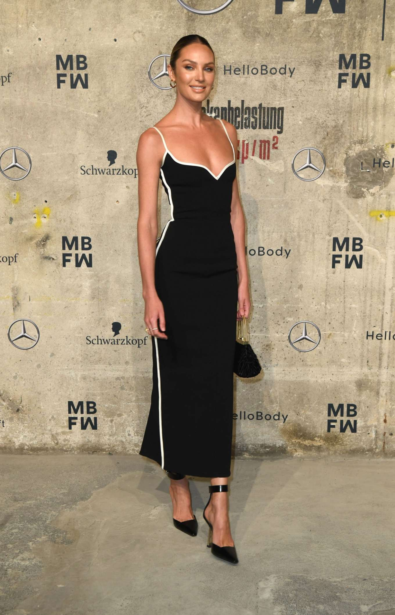 Candice Swanepoel 2020 : Candice Swanepoel – Mercedes-Benz presents Fashion Talents from South Africa show-15