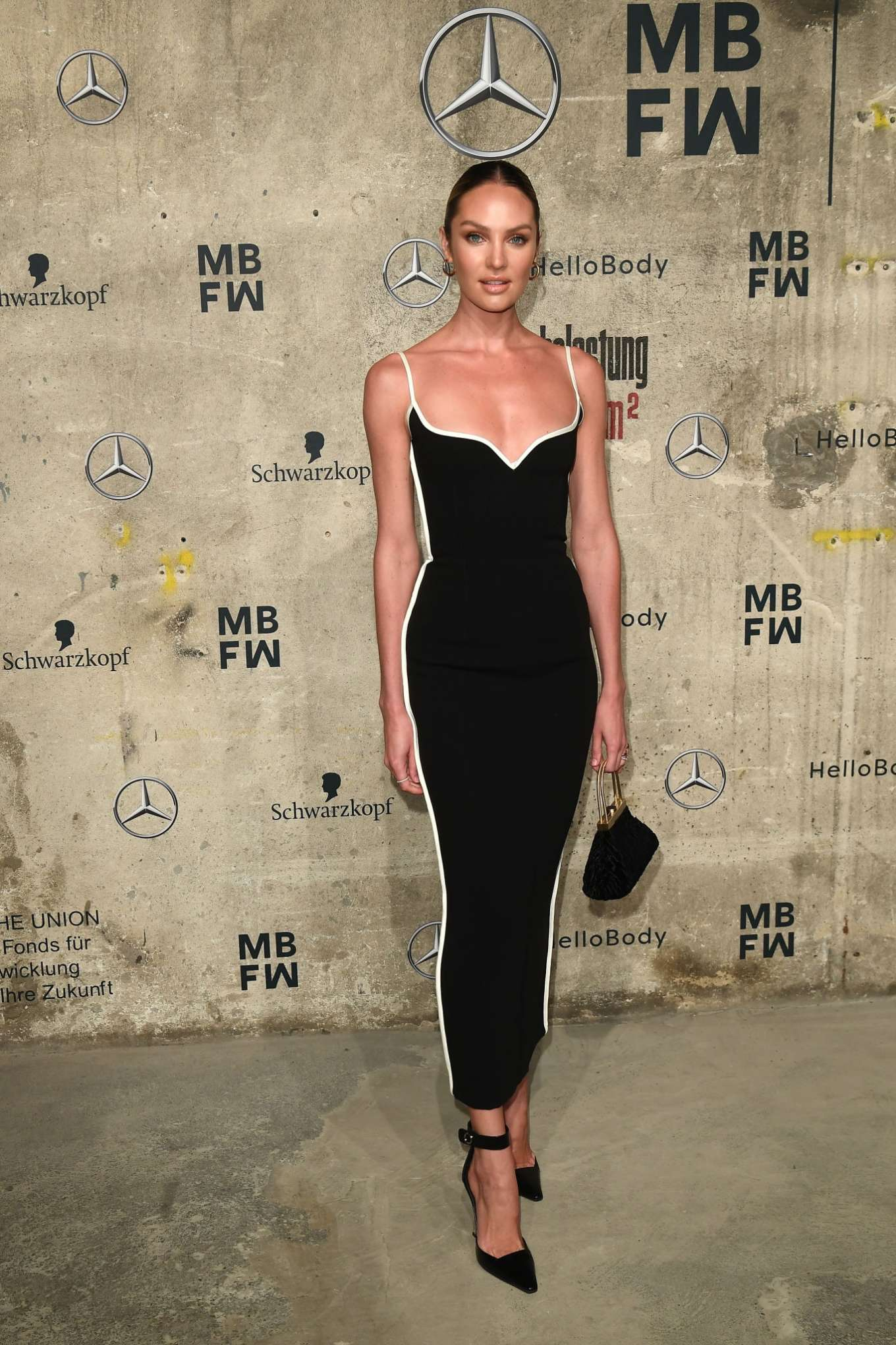 Candice Swanepoel 2020 : Candice Swanepoel – Mercedes-Benz presents Fashion Talents from South Africa show-16