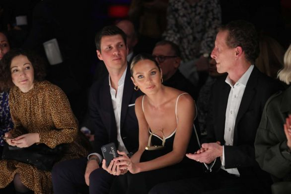 Candice Swanepoel 2020 : Candice Swanepoel – Mercedes-Benz presents Fashion Talents from South Africa show-18