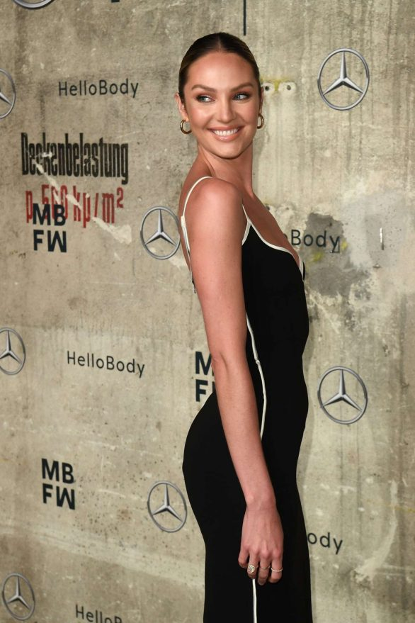 Candice Swanepoel 2020 : Candice Swanepoel – Mercedes-Benz presents Fashion Talents from South Africa show-21