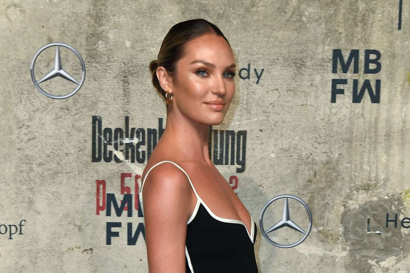 Candice Swanepoel 2020 : Candice Swanepoel – Mercedes-Benz presents Fashion Talents from South Africa show-22