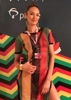 Candice Swanepoel - Programa Viva Prime in Bahia