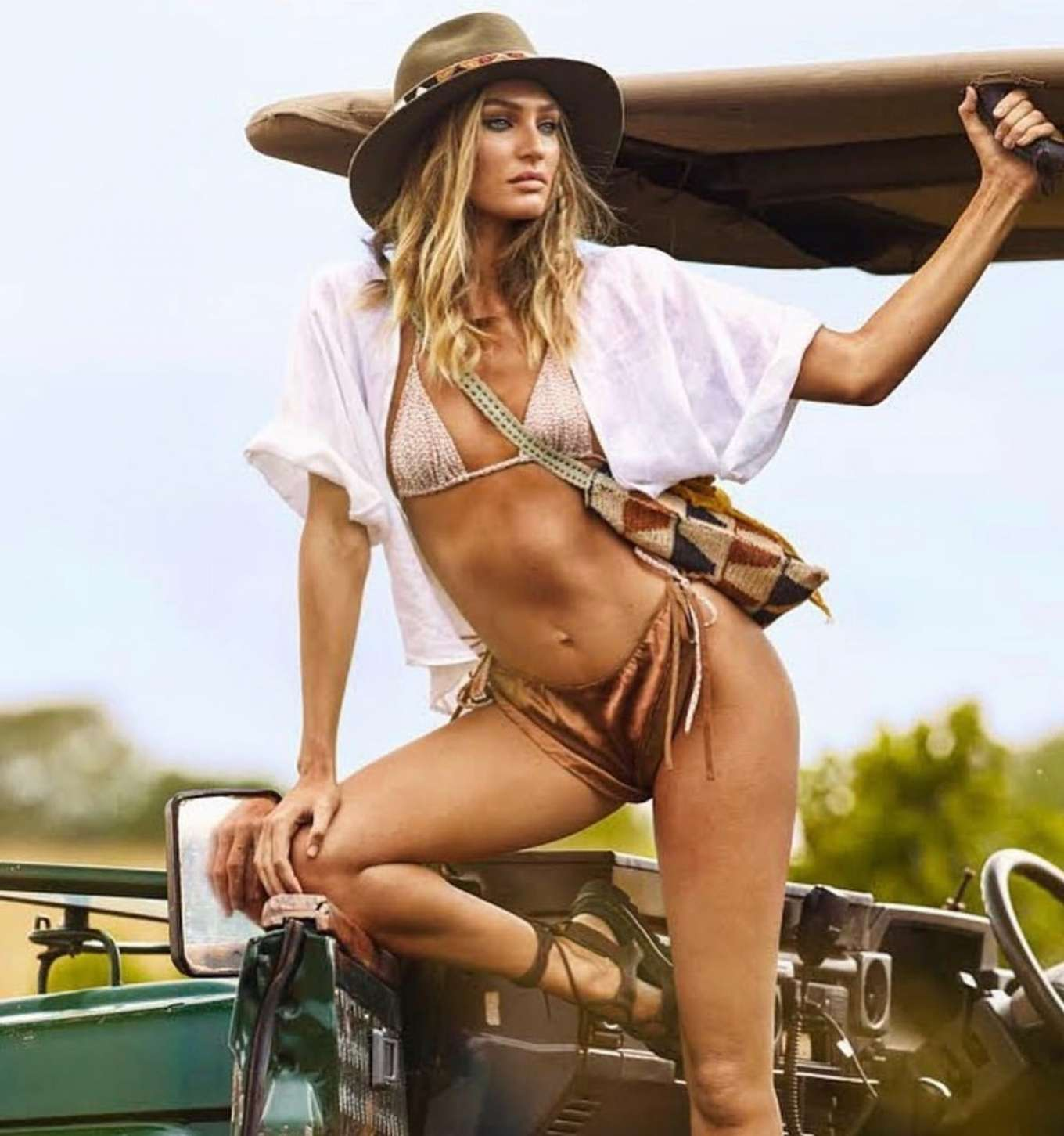 Candice Swanepoel 2019 : Candice Swanepoel – Tropic of C Collection 2020-01