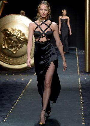 Candice Swanepoel - Versace Runway Show in Milan