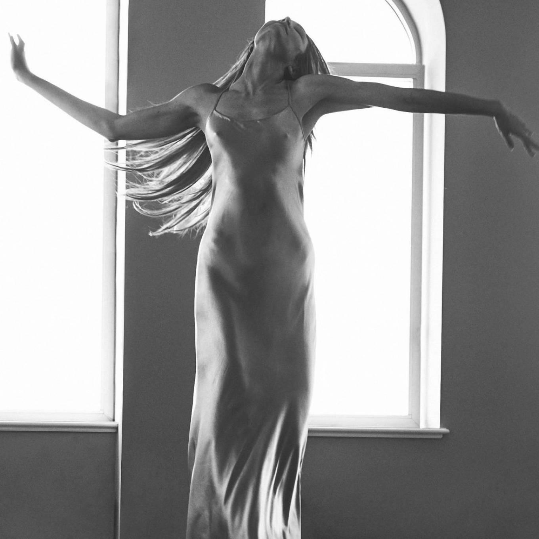 Candice Swanepoel 2020 : Candice Swanepoel – Vogue UK (September 2020)-06